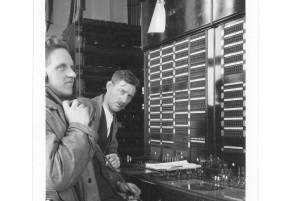 Reparatorerna_vid_undersokningsbordet_circa-1939-40
