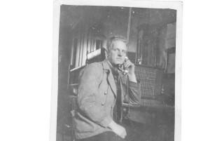Helge_Andersson_vid_Undersokningsbordet_circa_1934